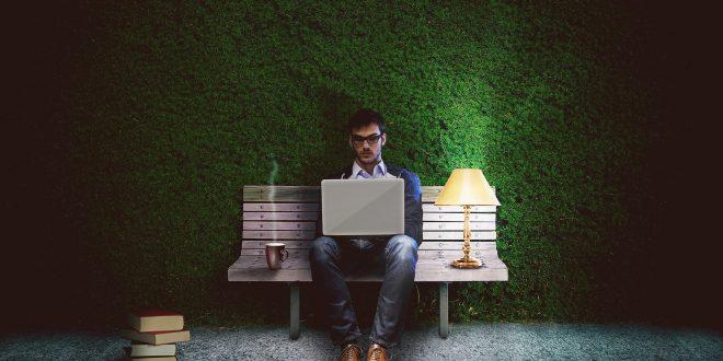 Développeur web qui créer un site internet
